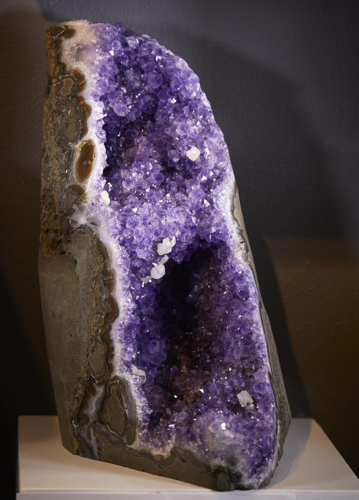 UNUSUAL AMETHYST CLUSTER WITH STALACTITE FORMATION AND calcite