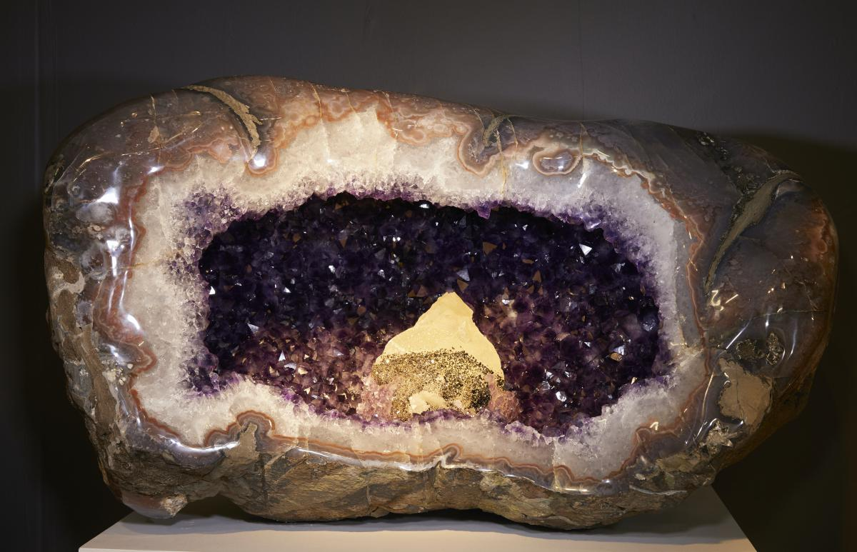 VERY LARGE AND IMPRESSIVE HALF AMETHYST GEODE WITH